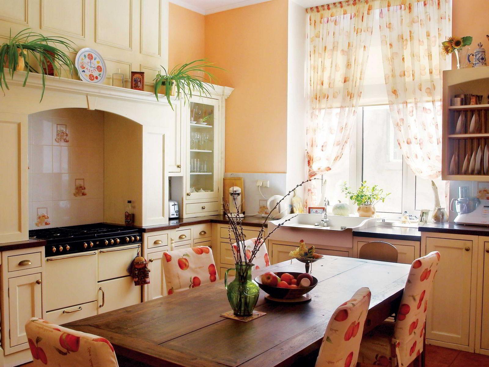 Как украсить кухню?